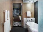 Badezimmer in einem modernen Stil
